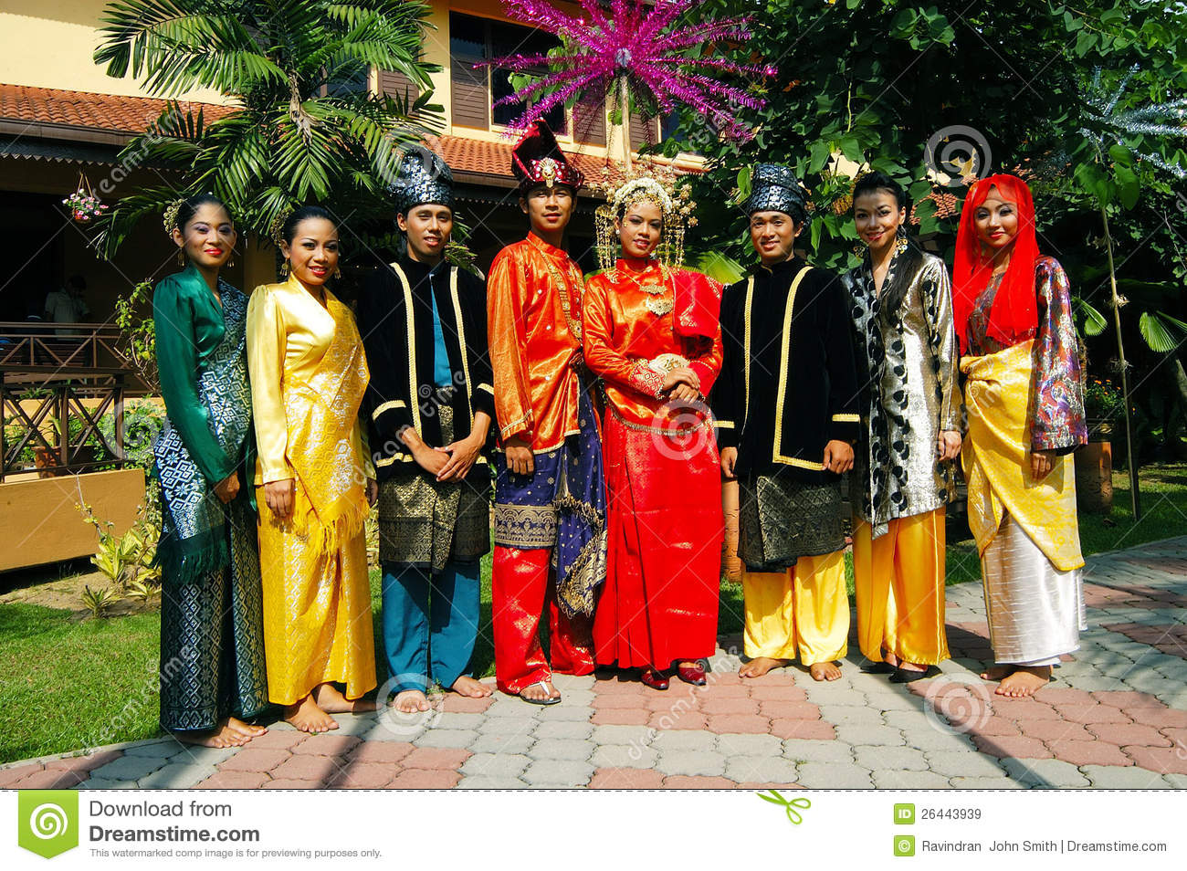 ethnic group in malaysia Who are malaysians the malay are malaysia's largest ethnic group, accounting for over half the population and the national language.
