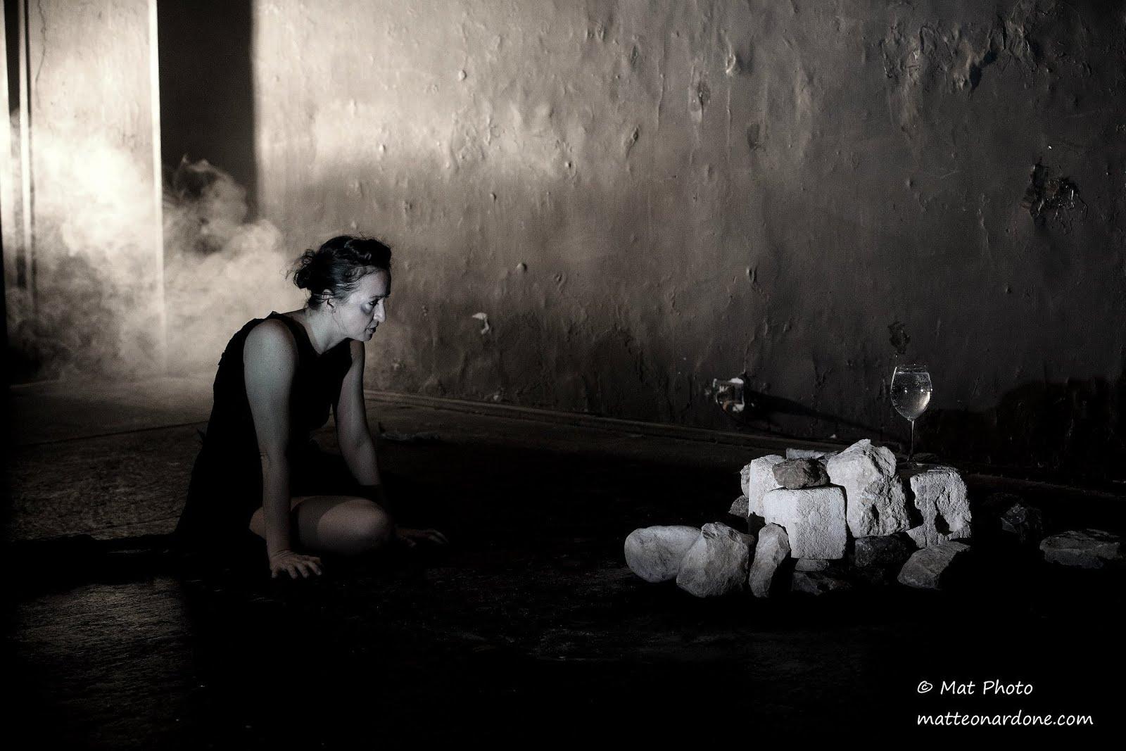MUNNE - 'o munno differente  - Drammaturgia e regia Marzia Ercolani - Con L. Acunzo M. Ercolani
