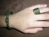 pulsera y anillo de cuero verde