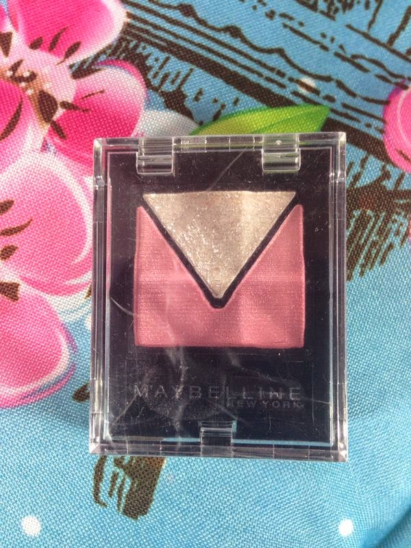 Maybelline - Eye Studio Triangle Eyeshadow - www.annitschkasblog.de