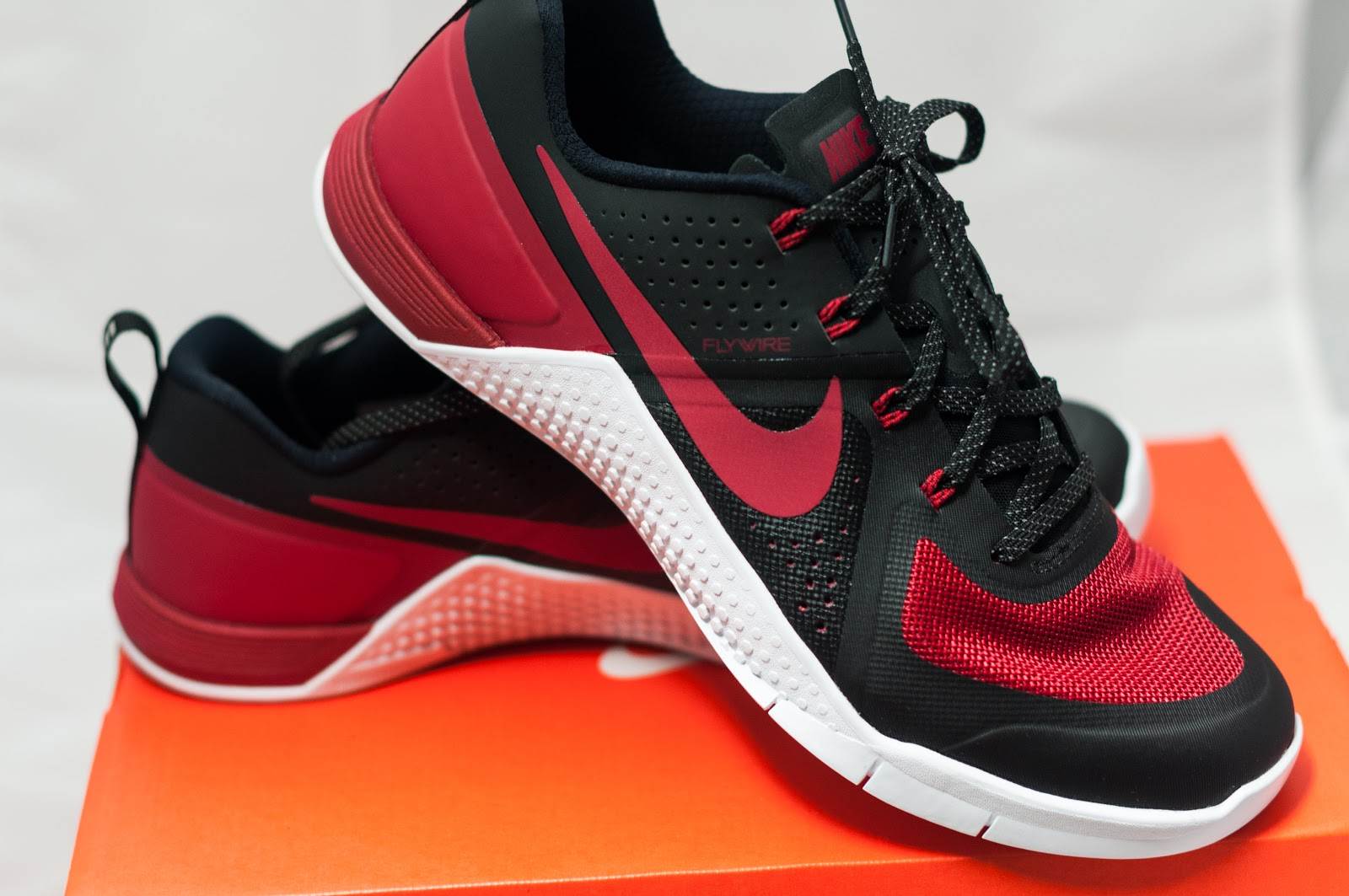 review nike metcon 1 varsity red banned nerdfit guam. Black Bedroom Furniture Sets. Home Design Ideas