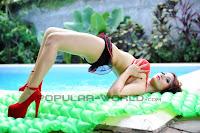 Foto Roro Fitria BFN di Majalah Popular World