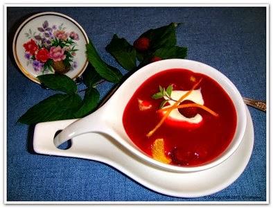 Malinowa zupa po skandynawsku