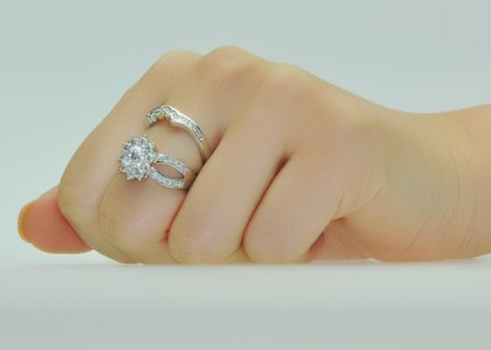 What to Look for When Buying an Engagement Ring Tangles and Chains