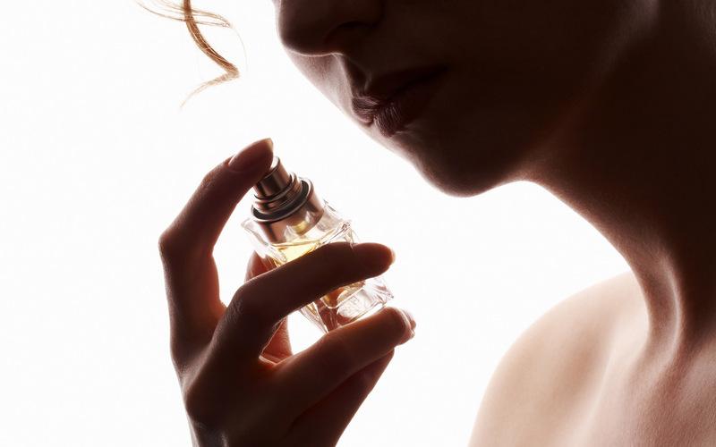 13 dicas para acertar na hora da compra de um novo perfume