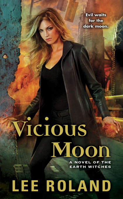 Vicious Moon by Lee Roland (Earth Witches #3)