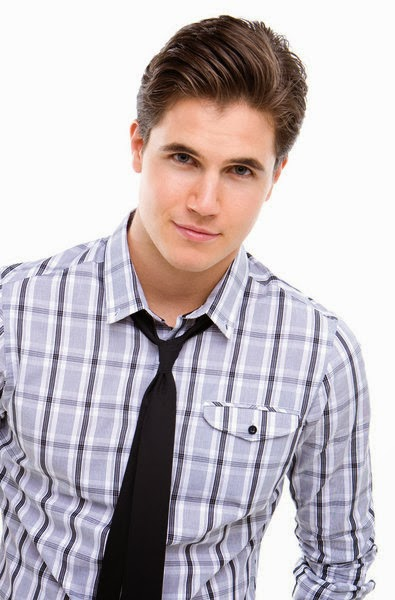 the gallery for gt robbie amell american pie beta house