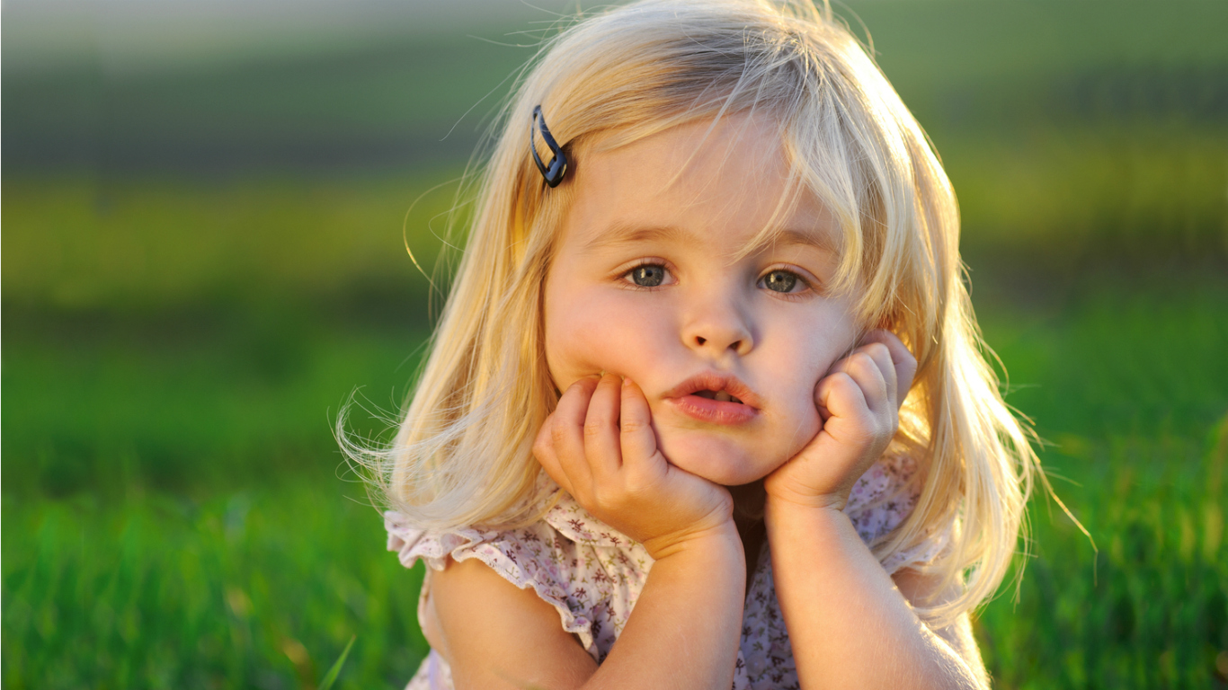 http://1.bp.blogspot.com/-M9XDKQ3Tq5w/T4LxHyz5HFI/AAAAAAAACVc/riWihiQT6Wc/s1600/cute-little-girl-wallpaper-1366x768-resolution.jpg