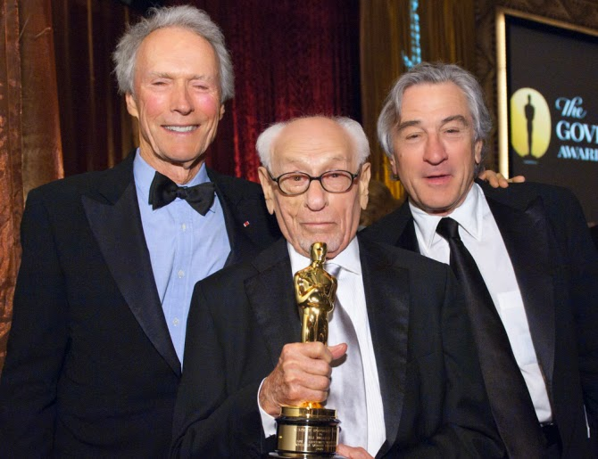 Eli Wallach with his Academy Honorary Award in 2010