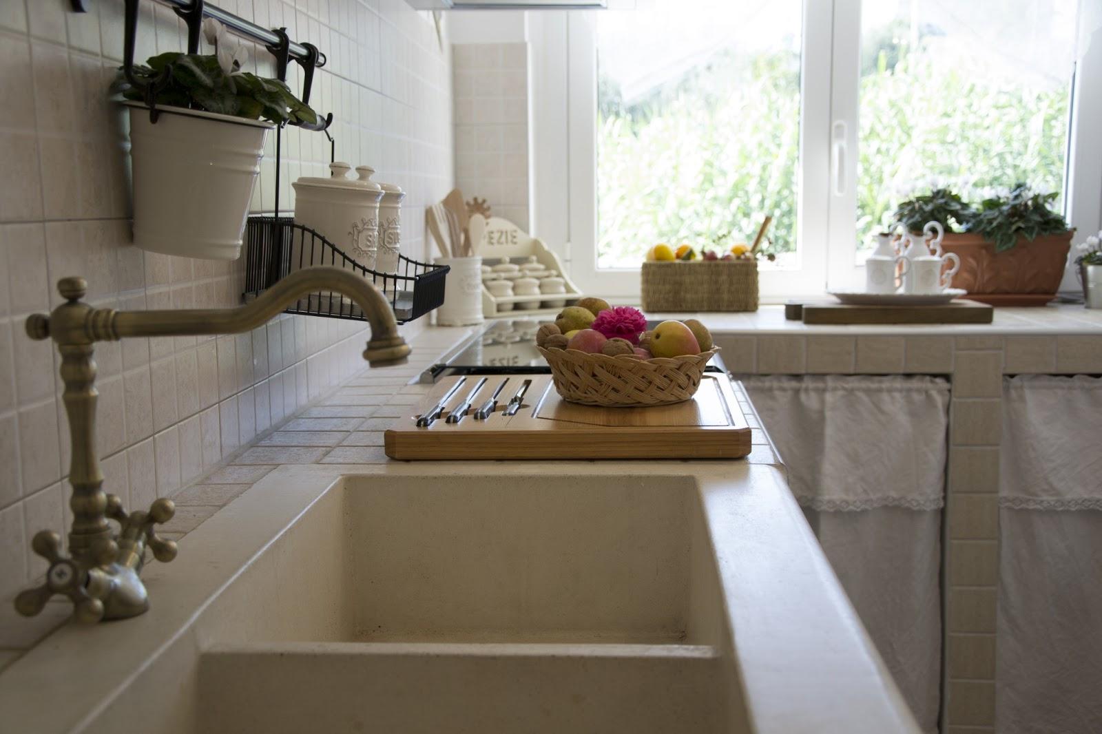 Shabbychiclife tour della mia casa parte ii - Cucina shabby chic ...