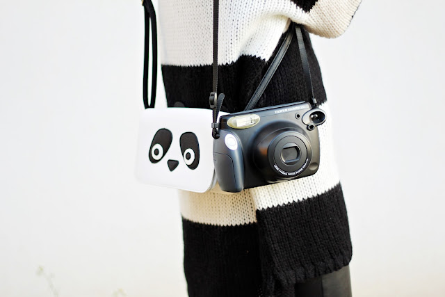 monochrome minimal fashion