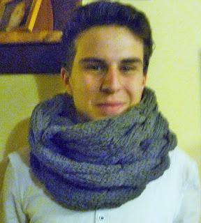 na drutach szalik
