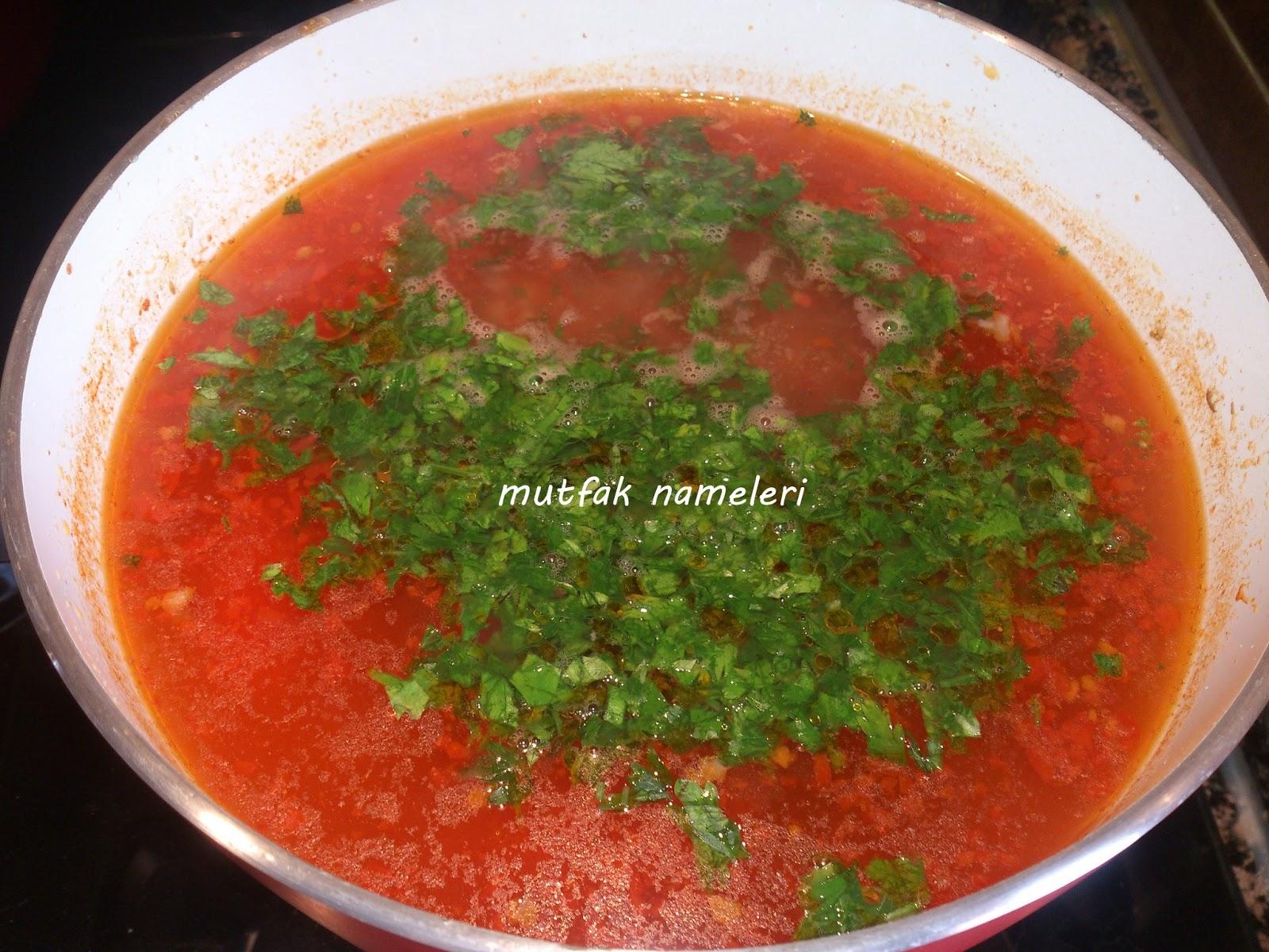 Domatesli Arpa Şehriye Çorbası Tarifi