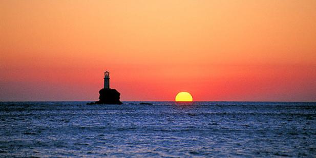 ηλιοβασίλεμα-Ελλάδα-καλοκαίρι-ήλιος-θάλασσα-Χώρα-Ανάφη