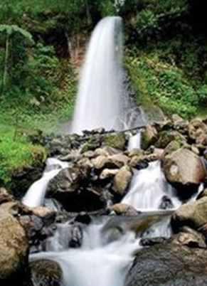 Gambar wisata air terjun curug cibeurem