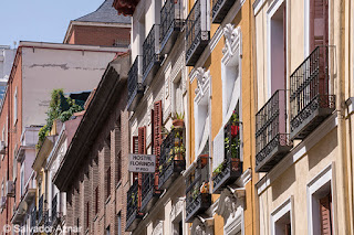 http://www.diariosdeunfotografodeviajes.com/2015/08/madrid-barrio-de-malasana.html