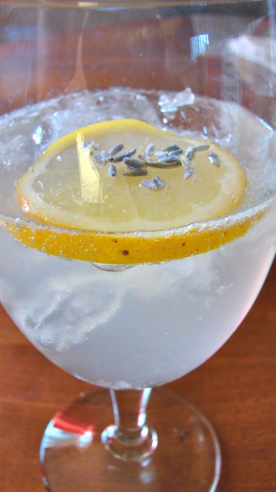 Ashleigh HomeMaker: Lavender Tom Collins