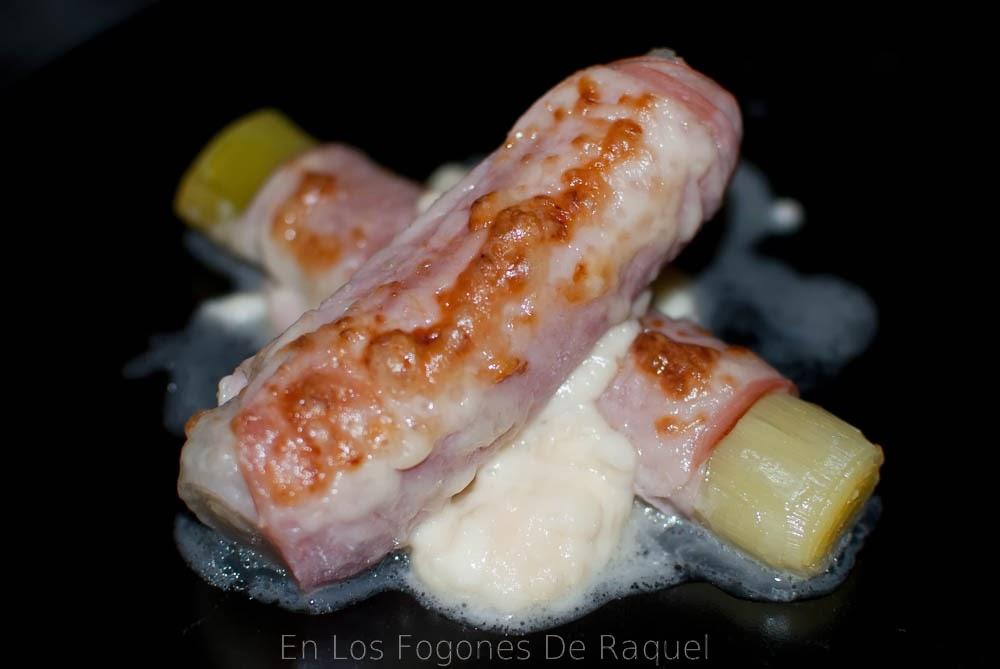 http://enlosfogonesderaquel.blogspot.com.es/2014/01/puerros-gratinados.html