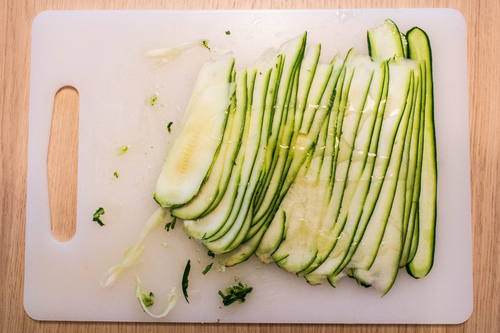 Cut zucchini with a peeler for super thin slices | Svelte Salivations