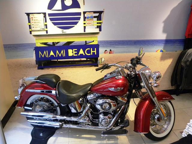 Miami Bayside Mall