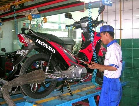 merawat motor