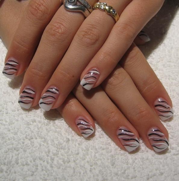 Manikir-slike-apstraktni-nokti-004