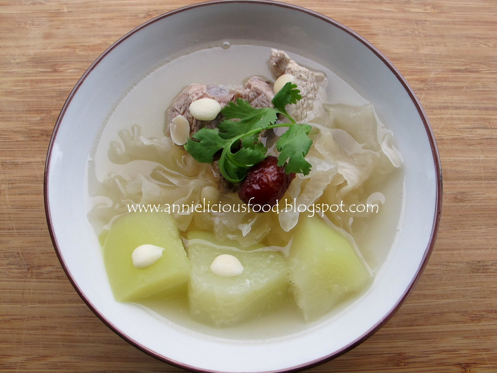 Annielicious food papaya and white fungus beauty soup thursday may 17 2012 forumfinder Choice Image