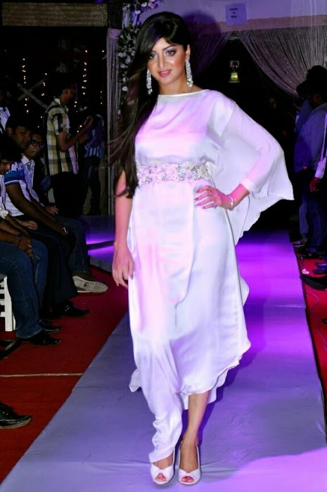 poonam kaur rwalk in white dress at sheesha sky launch