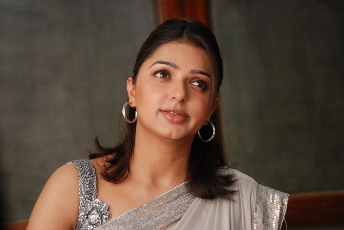 Tamil actress Bhumika CHawla latest wallpaper, Bhumika Chawla latest photos, Bhumika Chawla new picture, Bhumika Chawla hot stills, actress Bhumika CHawla new stills, Bollywood and Tamil actress BHumika Chawla pics, Bhumika Chawla latest hot stills, Bhumika Chawla latest hot saree stills.