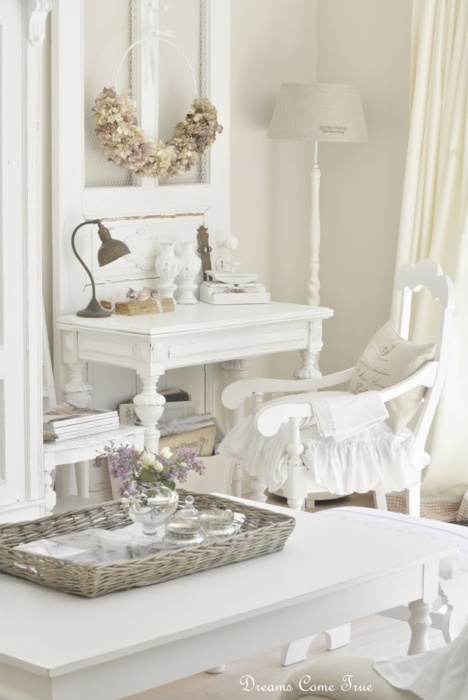 Lilly Queen Vintage Airy Office Space Shabby Chic Decor