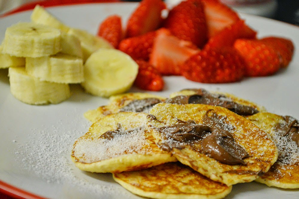 Syn Free Magic Pancakes with Nutella and fruit