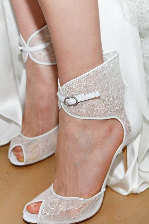Модные босоножки весна-лето 2015 от самых известных домов моды: Valentinо, Versace, Roberto Cavalli,Saint Laurent