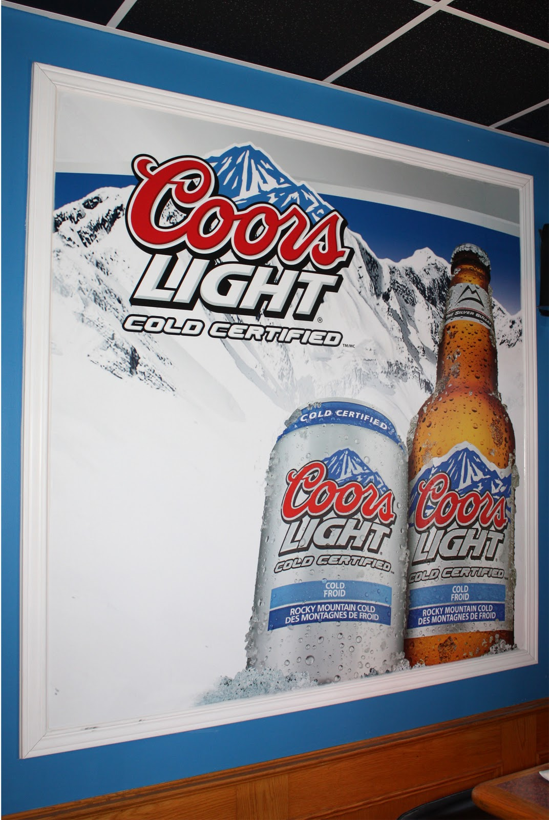 The Port Sports Bar And Grill Got Some New Wall Graphics To Go With Their Look Murals Are A Great Way Promote Product