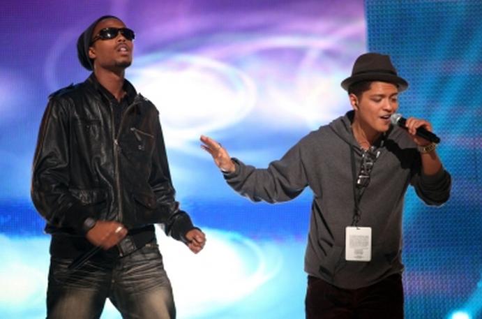 Bruno Mars On Bet Rip The Runway - image 3