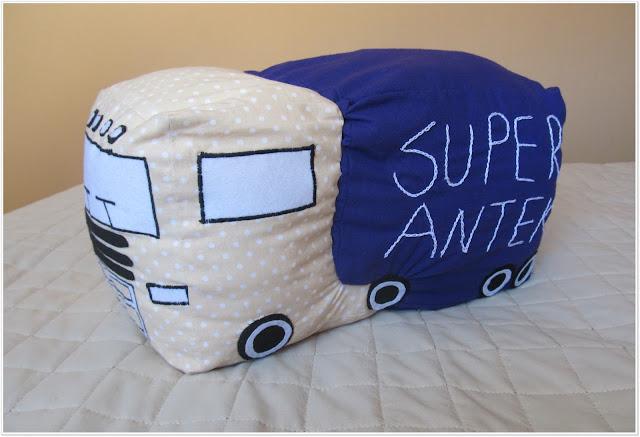 Poduszka dla małego wielbiciela ciężarówek