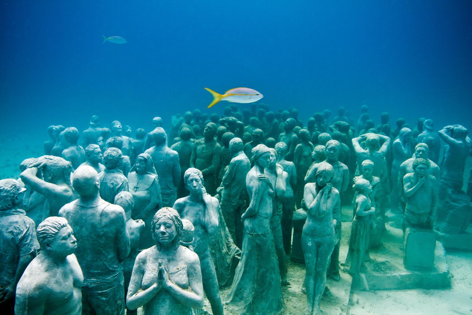 """A Monumental Underwater Museum """"MUSA"""" - statue sotto l'acqua, è bellissimo, vedere il sito, ci sono molte bellissime foto, (inglese) dans STATUE"""