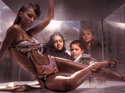 Brazilian Hollywood Actress Gisele Bundchen Wallpaper-1600x1200-02
