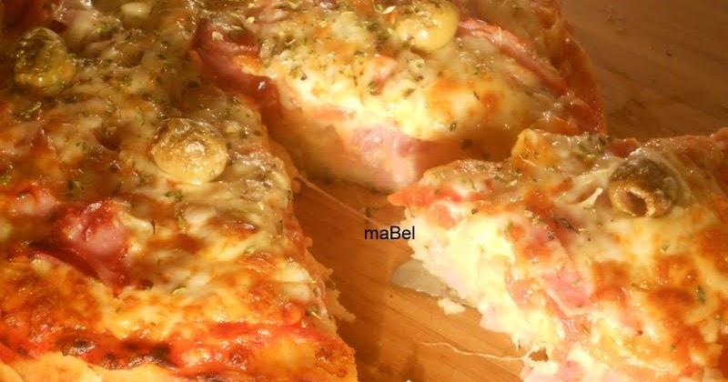 Pizza en molde sin levadura los panes de mabel for En 3 pizzas te olvido