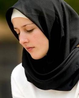 قصة فتاة عايزة تقلع الحجاب و السبب..!!!