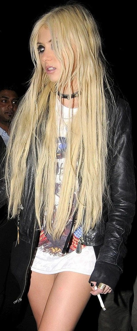 Cindy Lou Who Hot Taylor Momsen Is An American Actress Musician