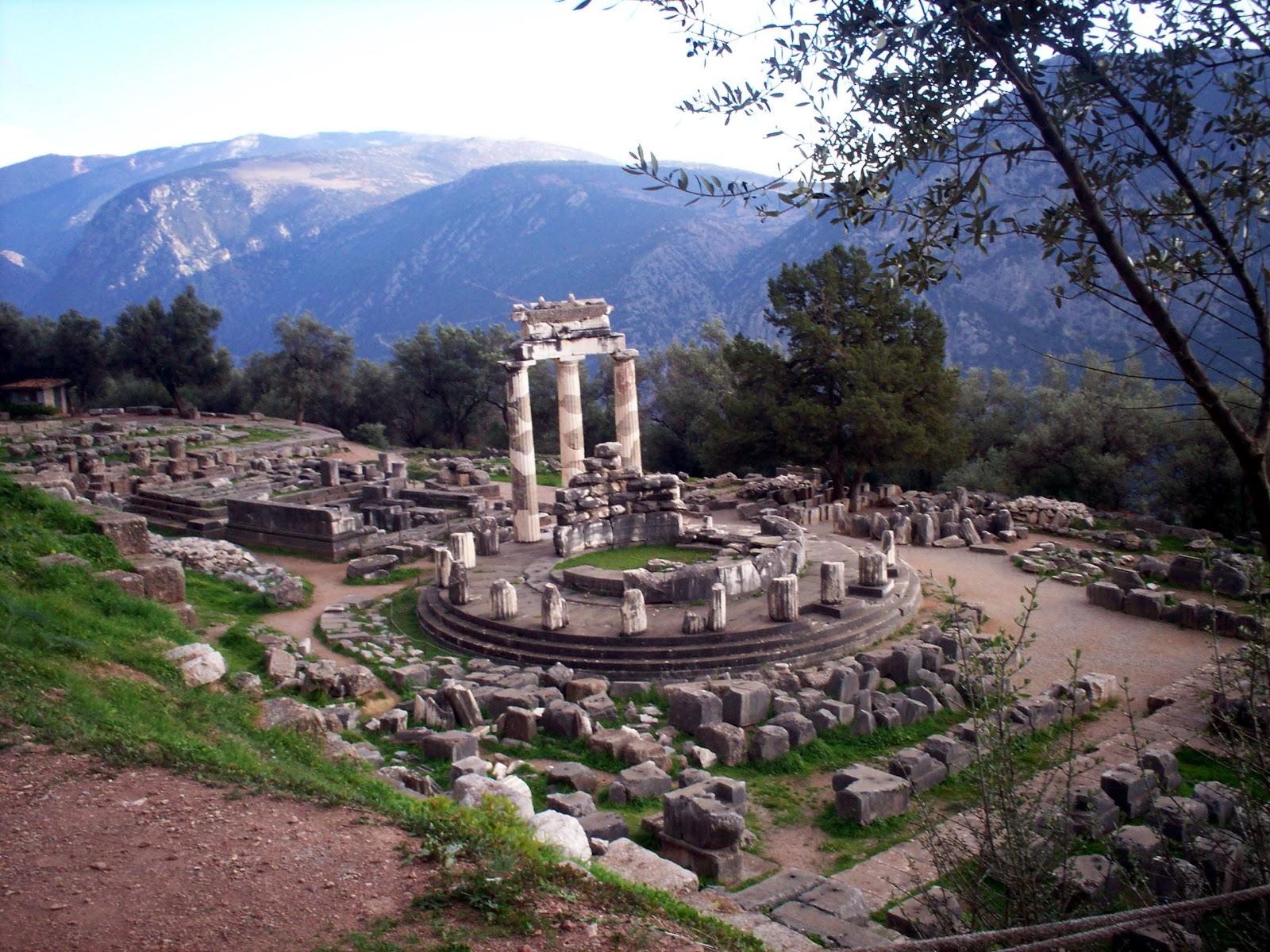 http://1.bp.blogspot.com/-MEPes6gZbbw/TbAYAmBI2YI/AAAAAAAAAcc/y86ha6ko85M/s1600/Delphi.jpg