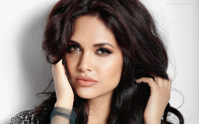 Esha Gupta: Rekha, Simi Garewal iconic fashion figures