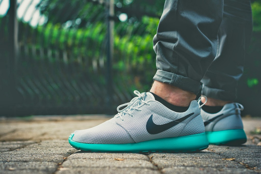 "low priced b0d47 28935 The Nike Roshe Run in the ""Calypso"" colorway is available once again at  Finish Line. After seeing a re-release back in November, the ""Calypso"" is  in stock ..."
