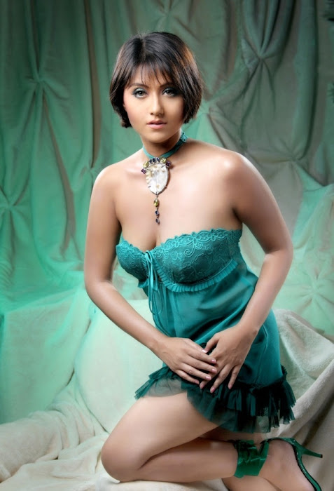 swastika mukerjee photo gallery