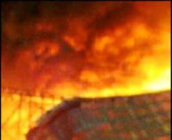 Gambar Setan Api Kebakaran Kampung Kalimantan Selatan - Foto Kamera HP Bentuk Muka Hantu Api Martapura