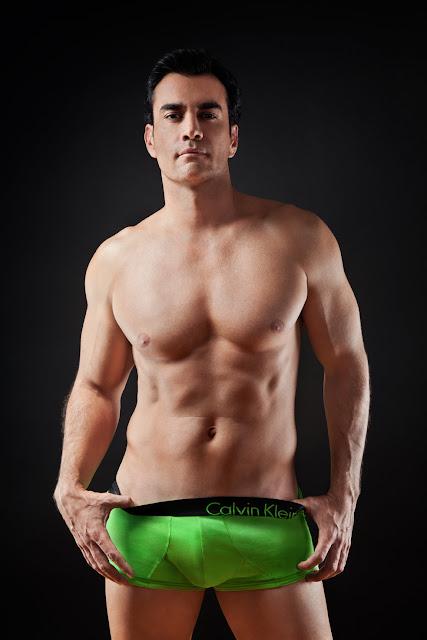 BoysNxHot: David Zepeda Modelando Boxers
