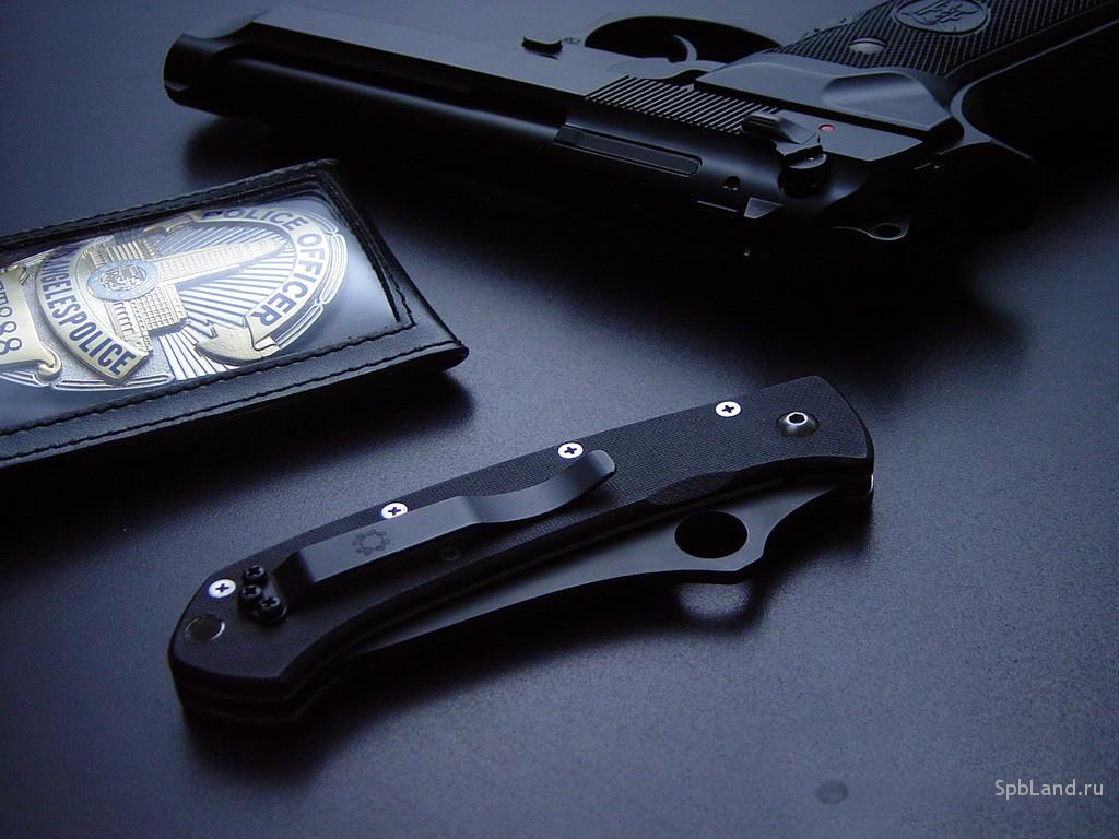 http://1.bp.blogspot.com/-MFQBuLdmXCE/TkjrJuVu4mI/AAAAAAAAAvc/nGdXOa6NGTc/s1600/Gun+Wallpaper+%252838%2529.jpg