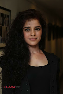 Piaa Bajpai Latest Picture Gallery in Black Dress at Back Bench Student Picture Exhibition at Muse Art Gallery 0007