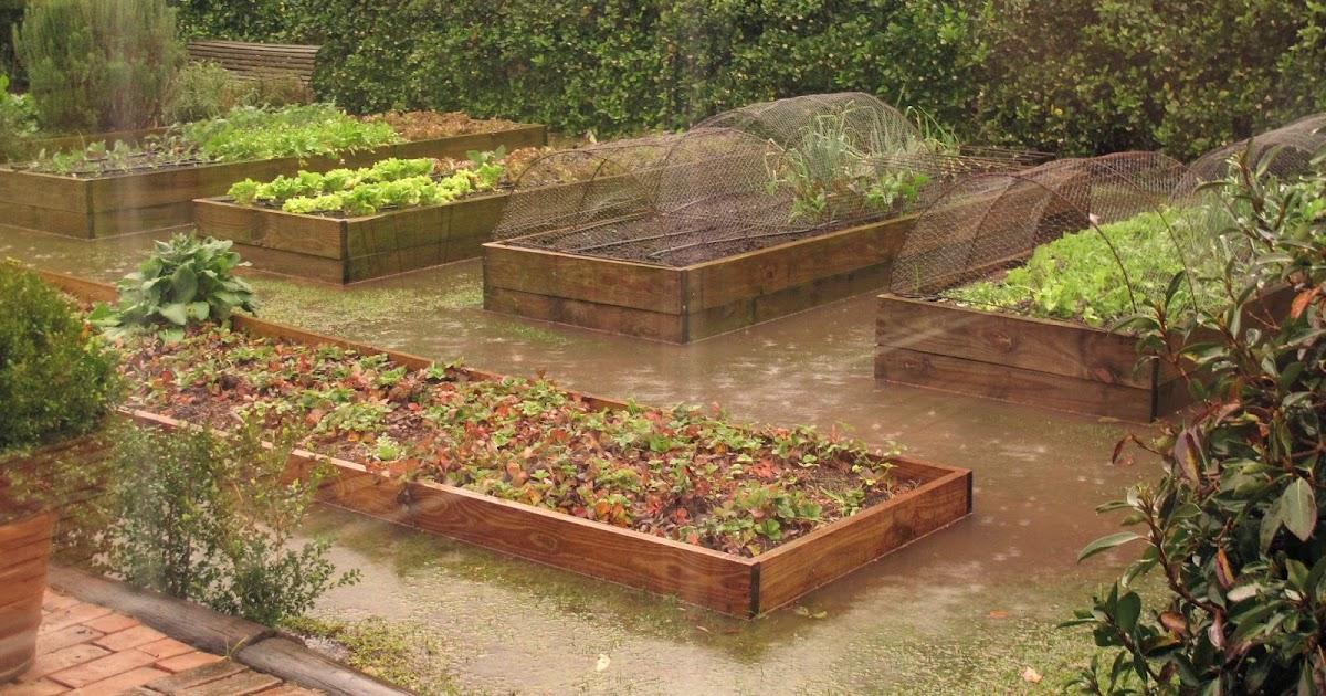 En el jardin huerta elevada for Canteros de jardin