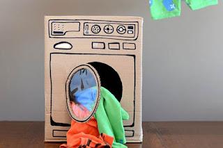 Mesin cuci mainan dari kardus